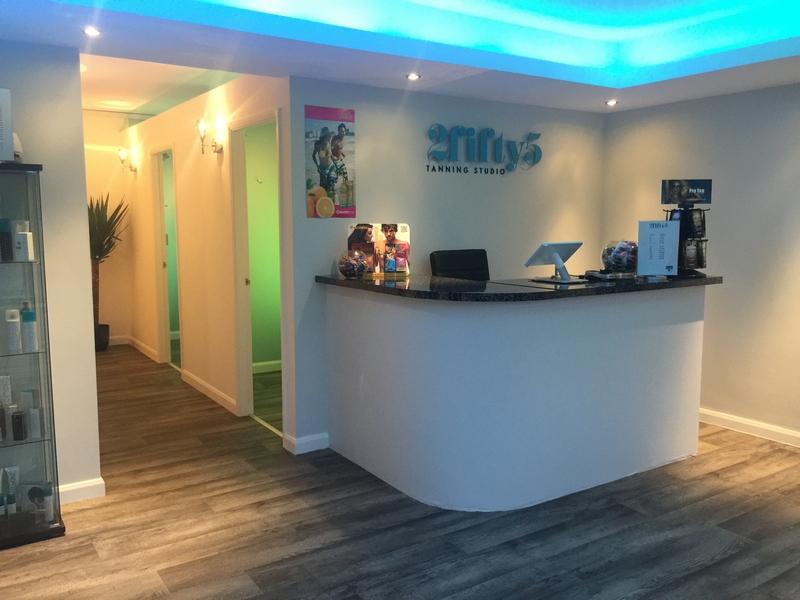 The ultimate tanning studio in hull 2fifty5 tanning studio for Interior design 75063